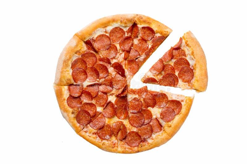 Pizza de pepperoni savoureuse fraîche d'isolement sur le fond blanc Vue sup?rieure images libres de droits