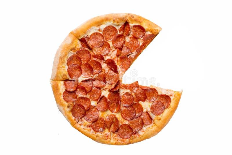 Pizza de pepperoni savoureuse fra?che sans une tranche d'isolement sur le fond blanc Vue sup?rieure image stock