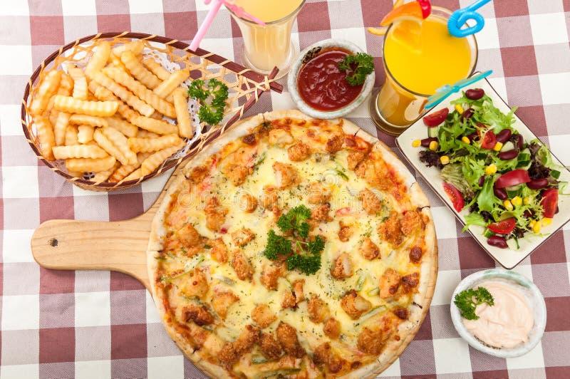 Pizza de poulet photo libre de droits