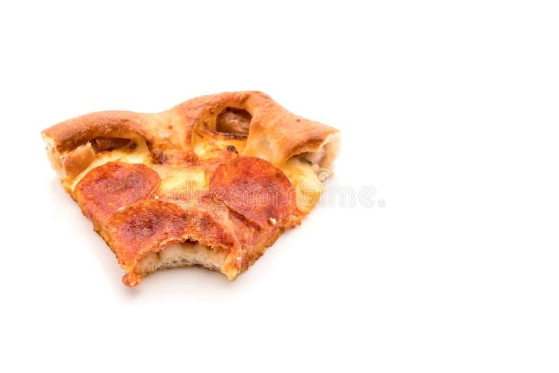 Pizza de salchichones hecha en casa en el fondo blanco foto de archivo libre de regalías
