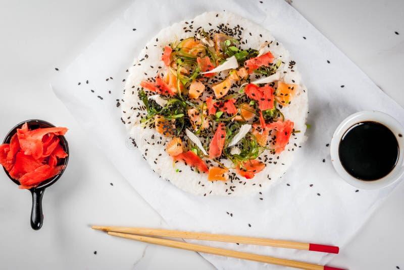 Pizza de sushi photographie stock libre de droits
