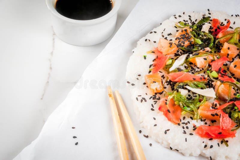 Pizza dei sushi fotografia stock libera da diritti