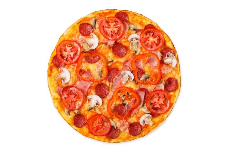 Pizza deliziosa con i funghi e le merguez fotografia stock libera da diritti
