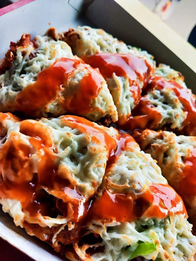 PIZZA DO BBQ TIKKA DA GALINHA imagens de stock