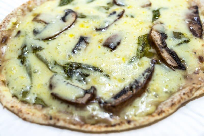 Pizza do cogumelo fotos de stock
