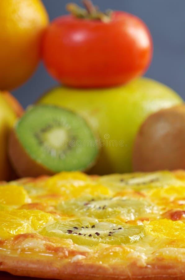 Pizza doce com fruto foto de stock royalty free