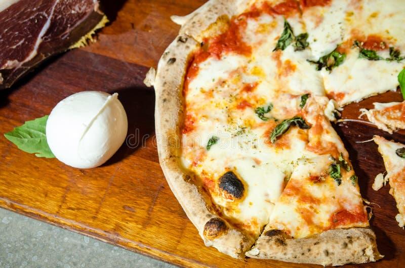 Pizza Drewniany ogień zdjęcie royalty free