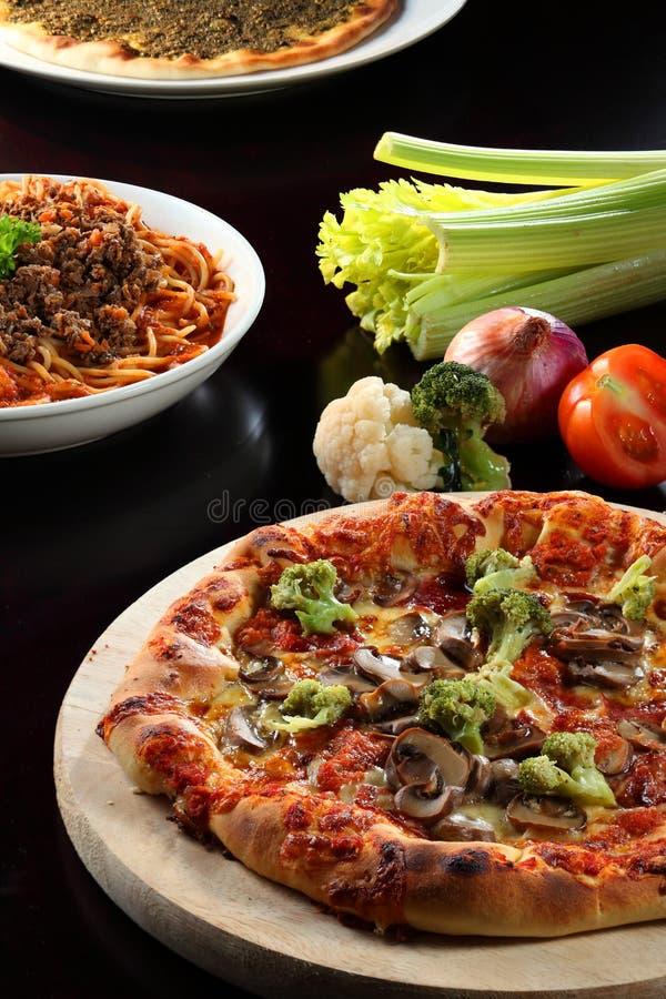 Pizza e pasta immagini stock