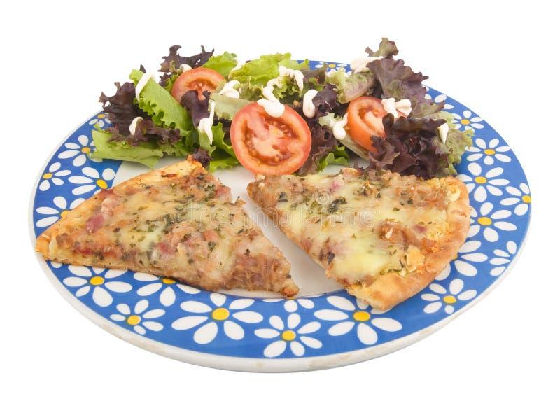 Pizza e salada imagens de stock