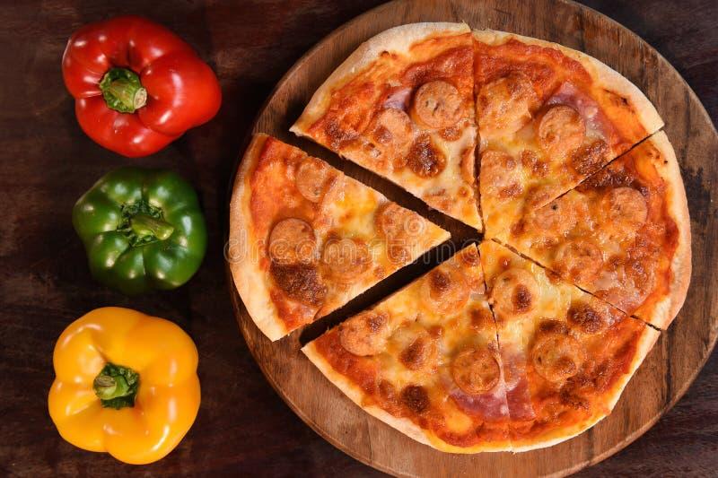 Pizza en verse groenten voor pizza royalty-vrije stock foto