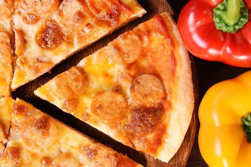Pizza en verse groenten voor pizza royalty-vrije stock fotografie