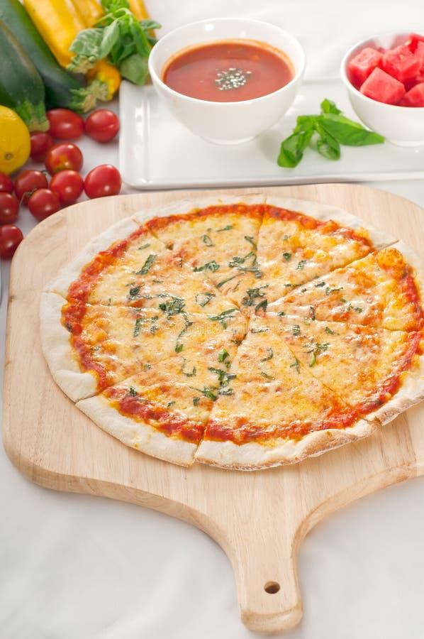 Pizza Fina Original Italiana De La Corteza Imágenes de archivo libres de regalías