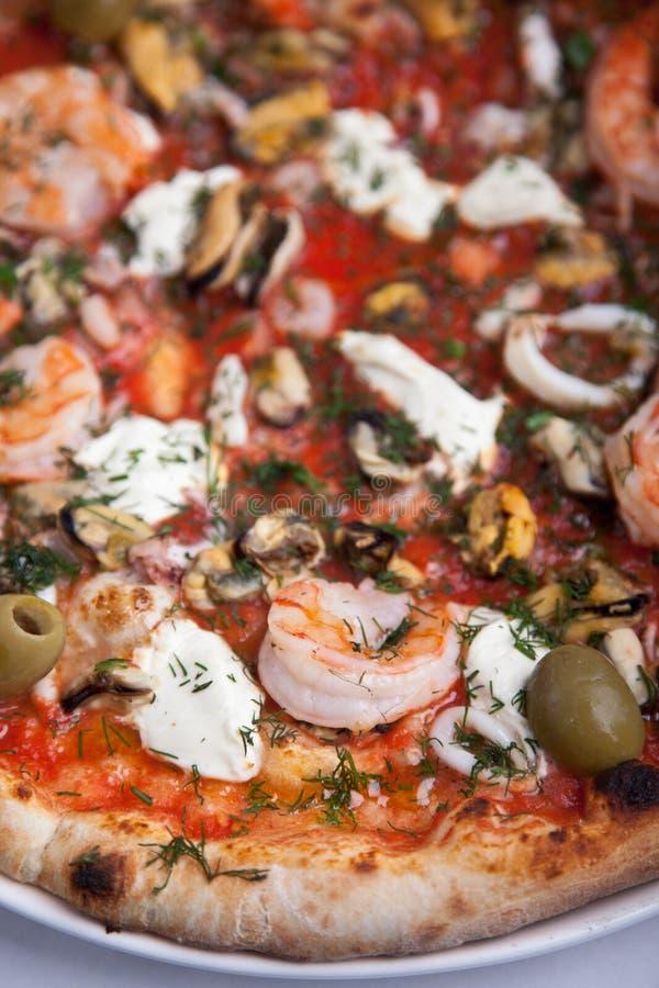 Pizza fresca sabrosa fotografía de archivo libre de regalías