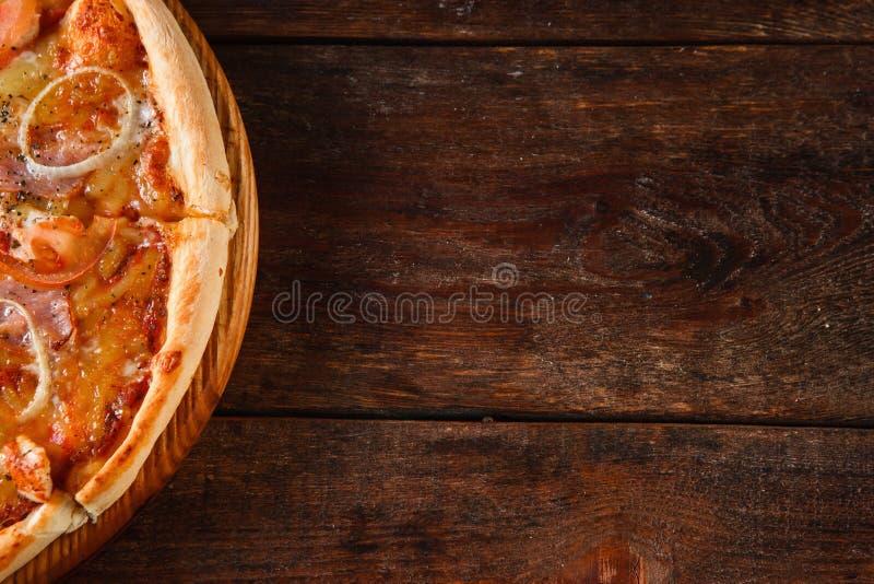 Pizza, fundo nacional italiano do alimento, configuração lisa fotografia de stock