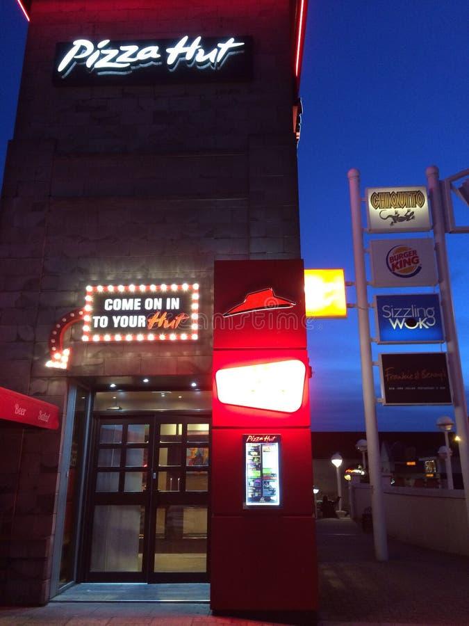 Pizza Hut la nuit, Aberdeen image libre de droits