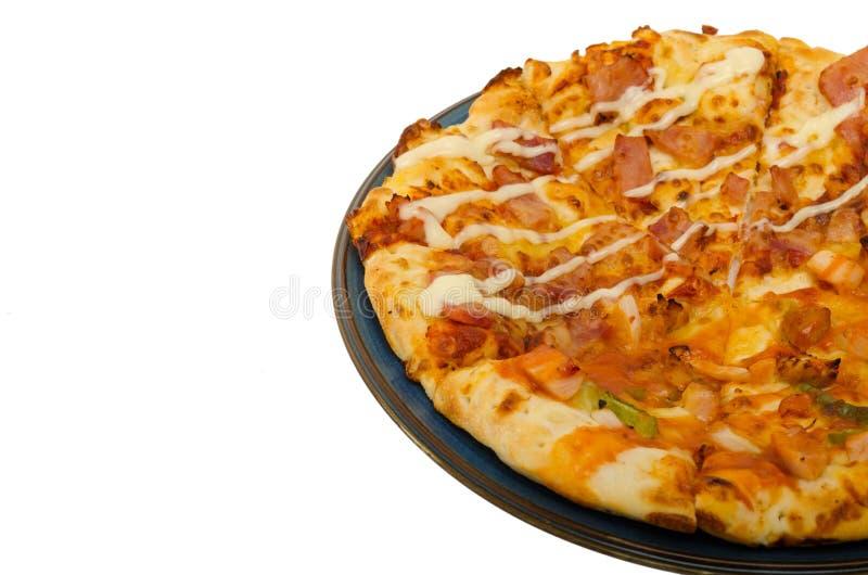 Pizza isolada no fundo branco imagens de stock