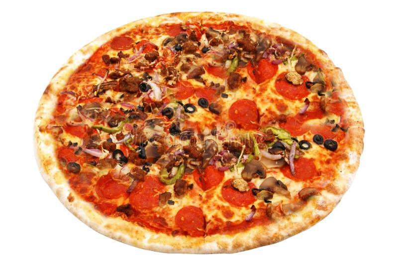 Pizza italiana deliziosa sopra bianco fotografia stock