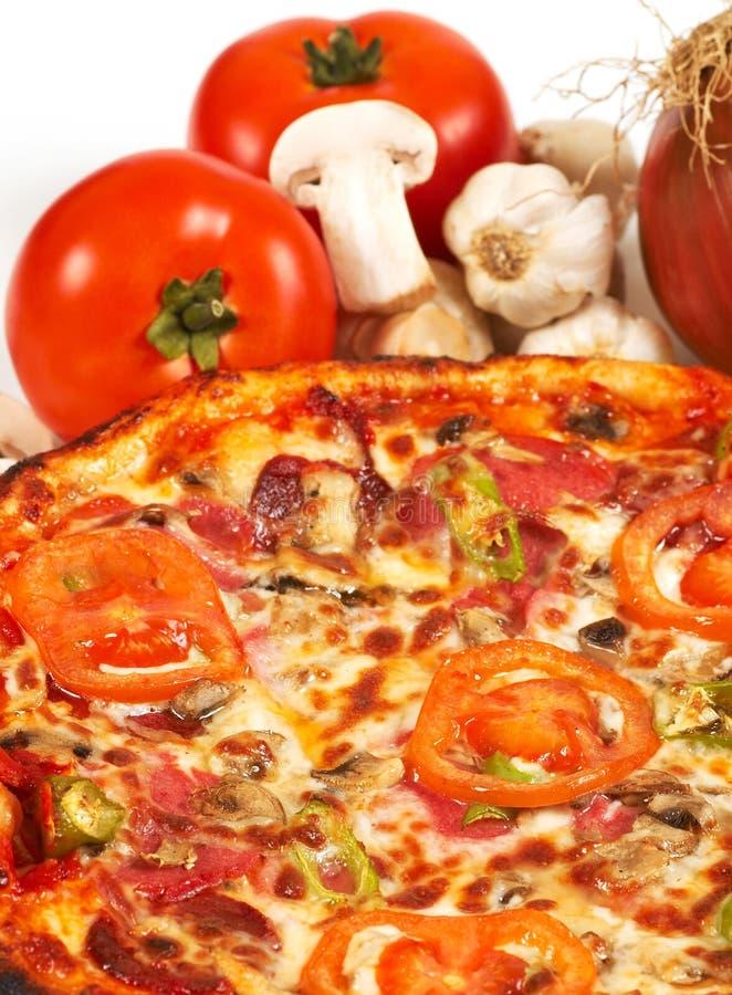 Download Pizza italienne photo stock. Image du affamé, plaque, délicieux - 727748