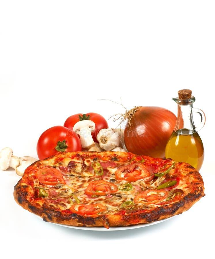 Download Pizza italienne photo stock. Image du dîner, wagon, macro - 727768