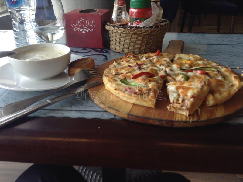 Pizza Mansoura stock fotografie