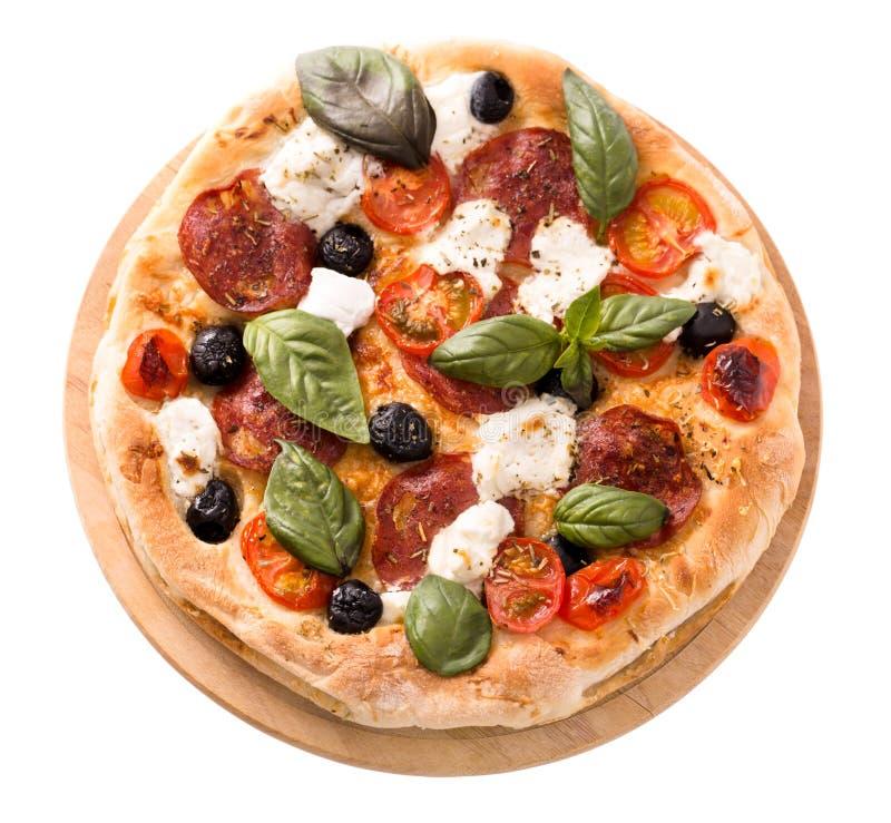 Pizza met salami en mozarella hoogste geïsoleerde mening royalty-vrije stock fotografie