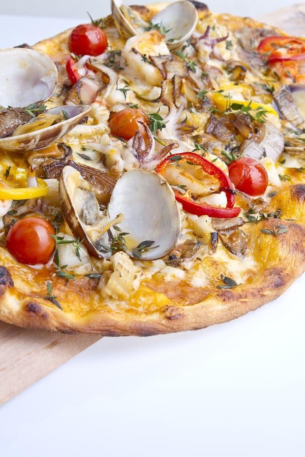 Pizza mince de croûte photo stock
