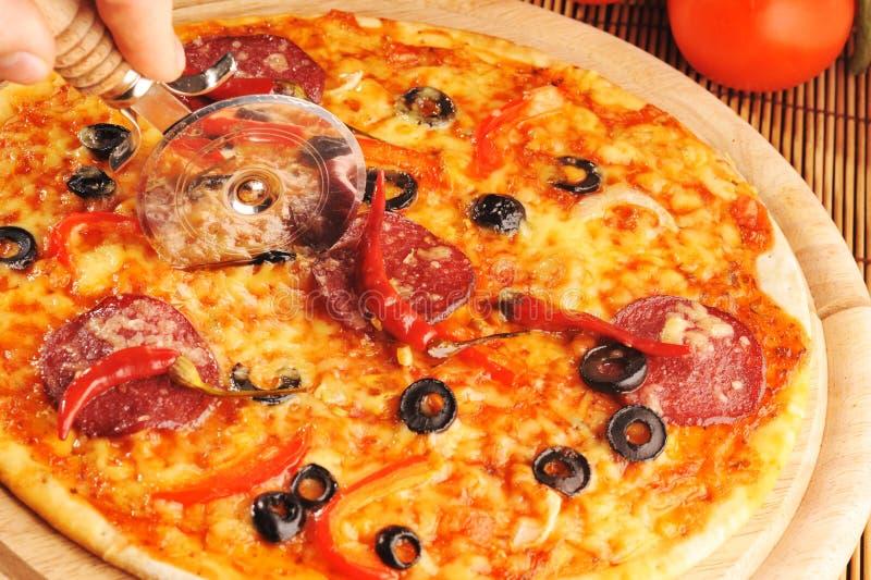 Pizza mit Pfeffern stockfotografie