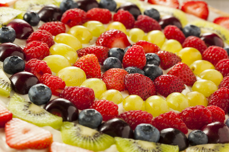 Pizza naturelle faite maison de fruit photo stock