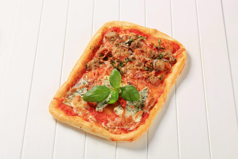 Pizza rectangulaire photo stock