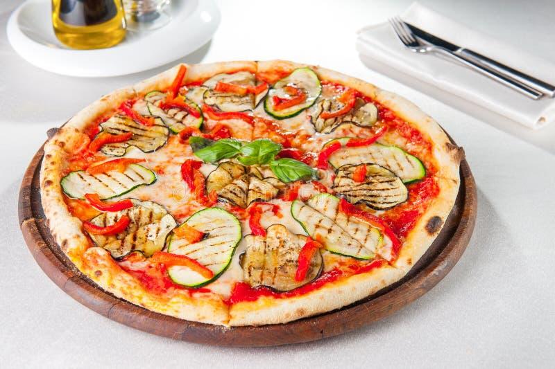 Pizza saine de végétarien de légumes photo libre de droits