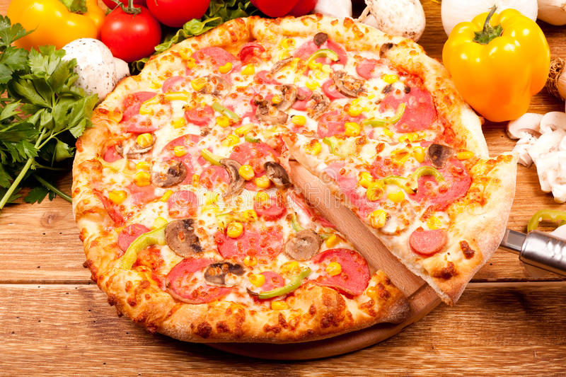 Download Pizza Sciles Royalty Free Stock Photo - Image: 13535475
