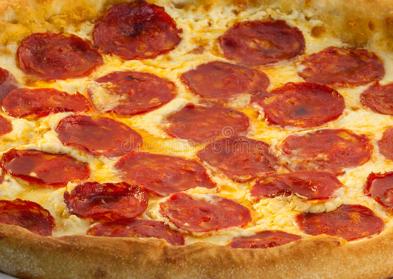 Pizza squisita con salame immagine stock libera da diritti