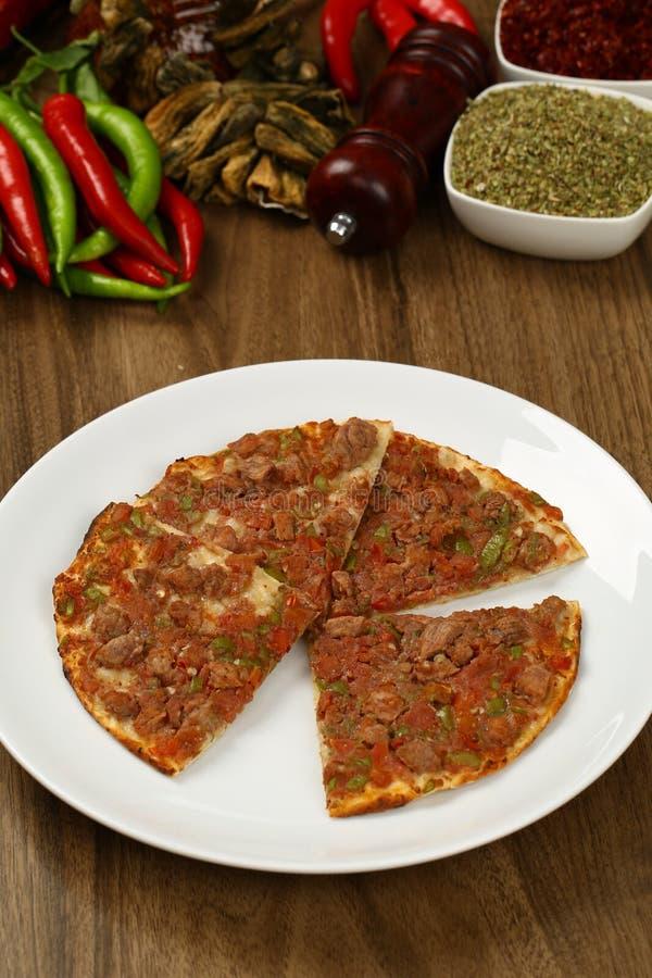 Pizza turca - Lahmacun foto de stock