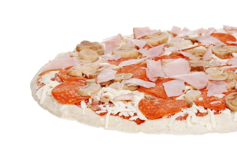 Pizza uncooked isolada fotos de stock royalty free