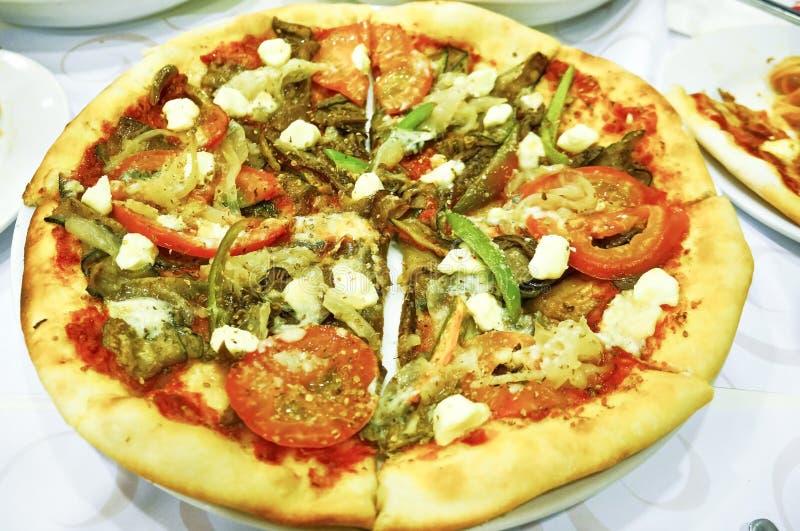 Pizza vegetariana fotos de archivo