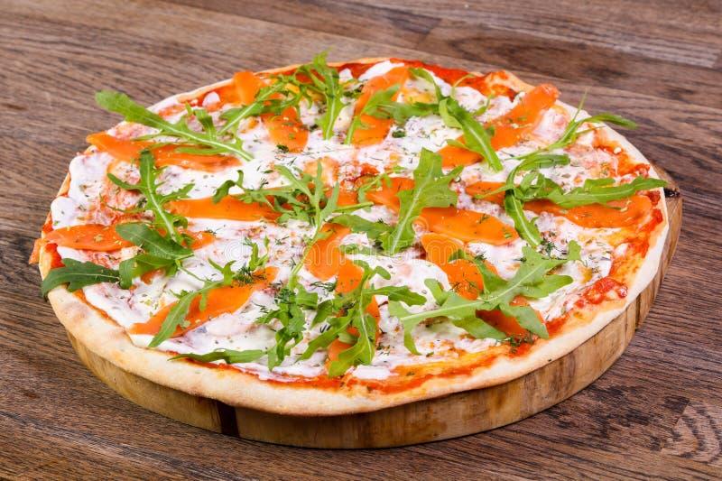 Pizza z łososiem fotografia stock