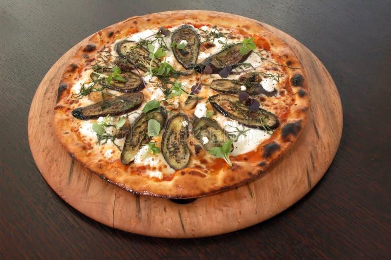 pizza z parmezanem oberżyny zdjęcia stock