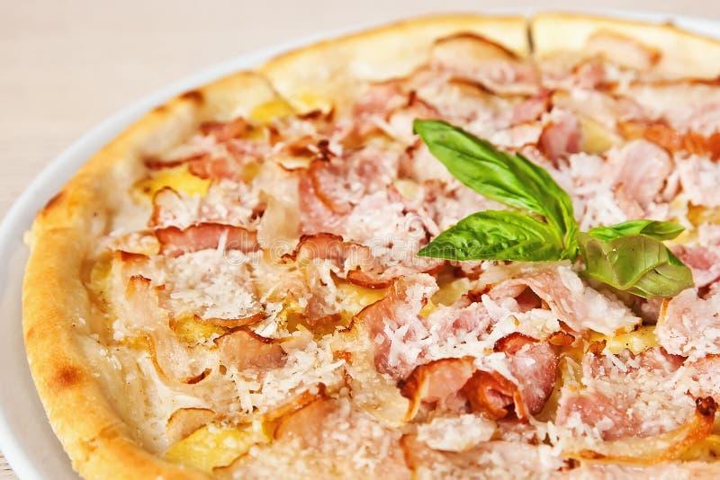 Pizza z prosciutto zdjęcie stock