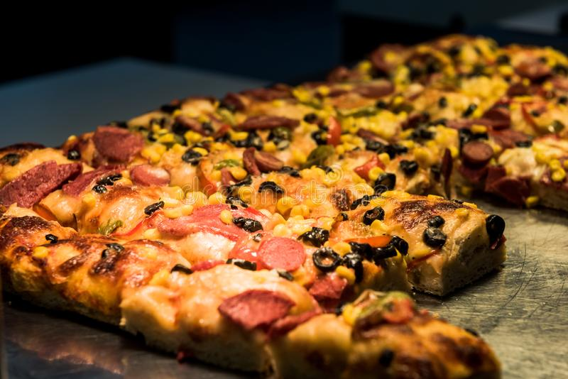 Pizza zum Frühstück lizenzfreies stockfoto