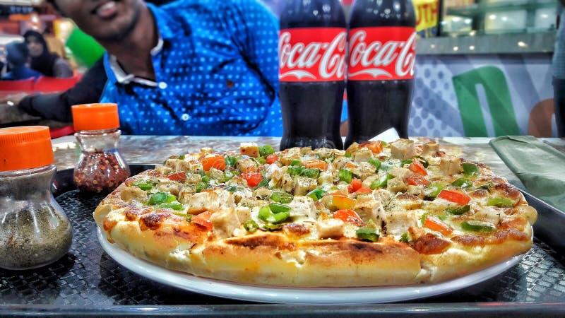 Pizzaliebhaber lizenzfreie stockbilder