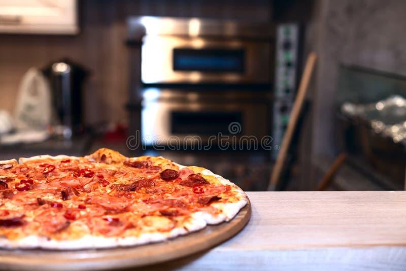 Pizzaofen lizenzfreies stockbild