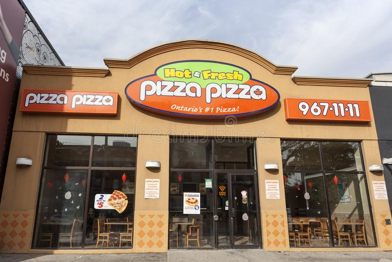 Pizzapizzarestaurang i Toronto, Kanada arkivfoto