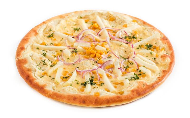 Pizzavegetariër met tomaten, Spaanse pepers en paddestoelen op wit worden geïsoleerd dat royalty-vrije stock afbeeldingen