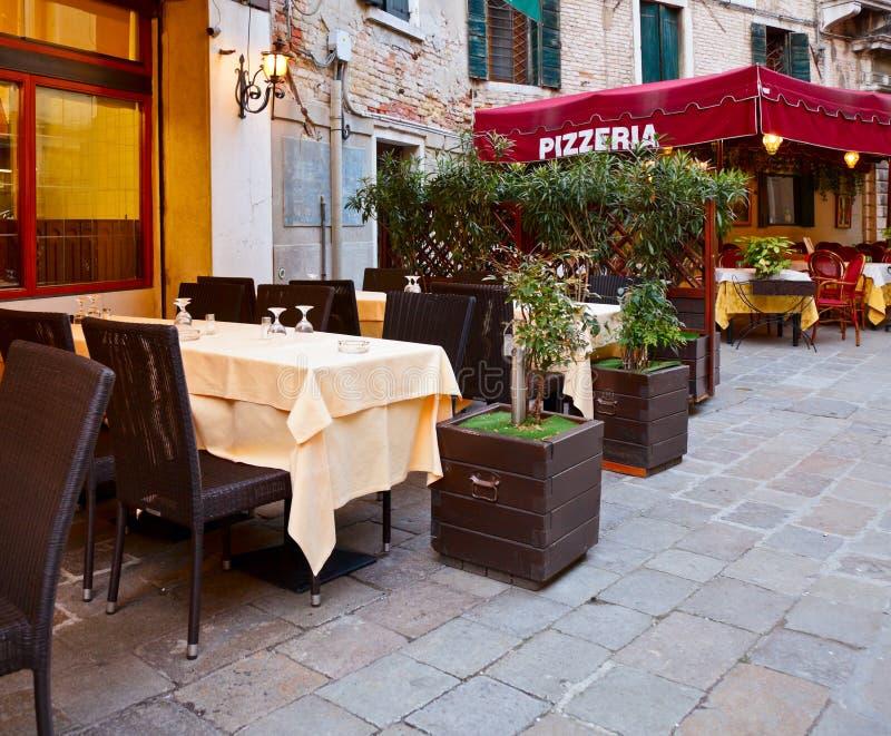 Pizzería italiana foto de archivo libre de regalías