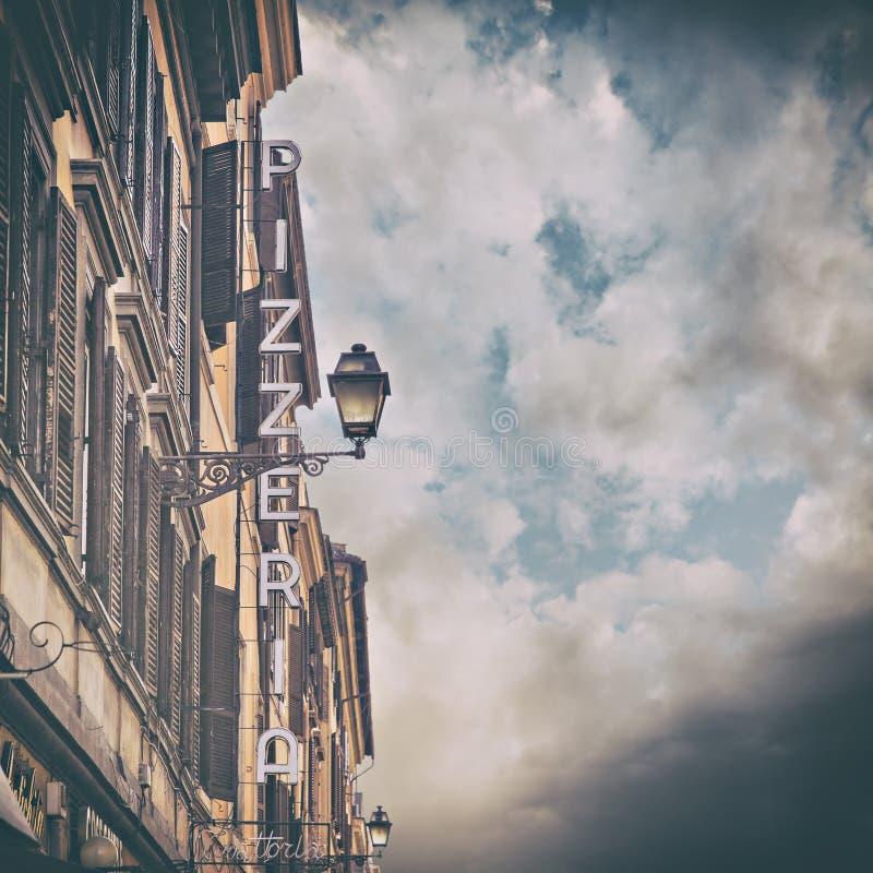 Pizzeriateken in Italië royalty-vrije stock foto