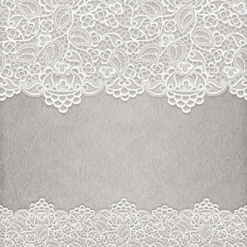 Pizzo bianco sulla struttura di carta Invito di cerimonia nuziale illustrazione vettoriale