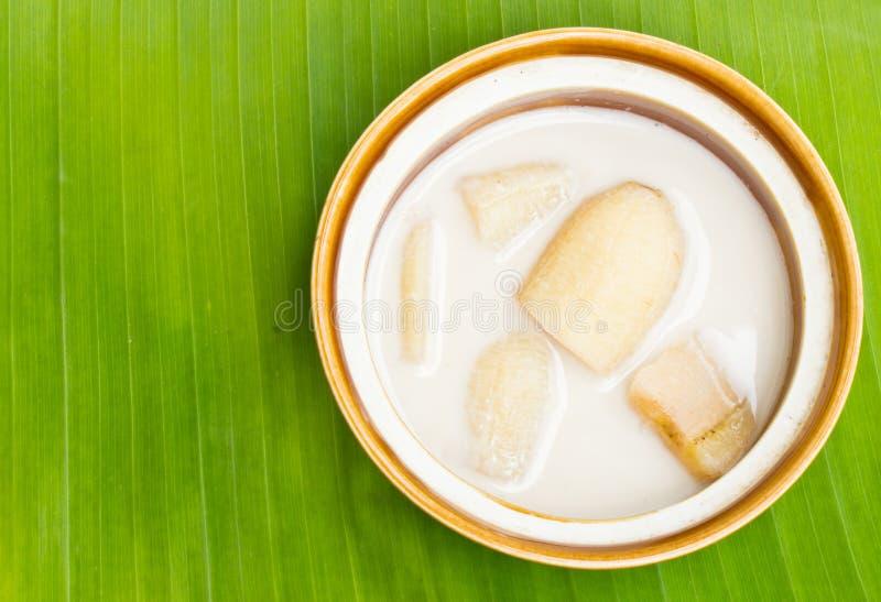 Download Plátano En Leche De Coco En Las Hojas Del Plátano Imagen de archivo - Imagen de gordo, naturalness: 42442321