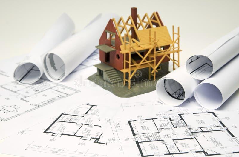 Pläne und Haus lizenzfreies stockfoto