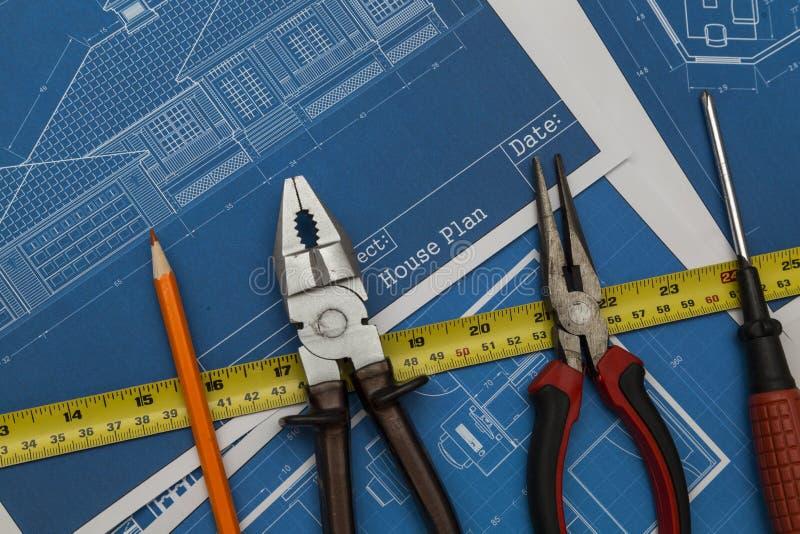 Pläne und Werkzeuge stockbilder