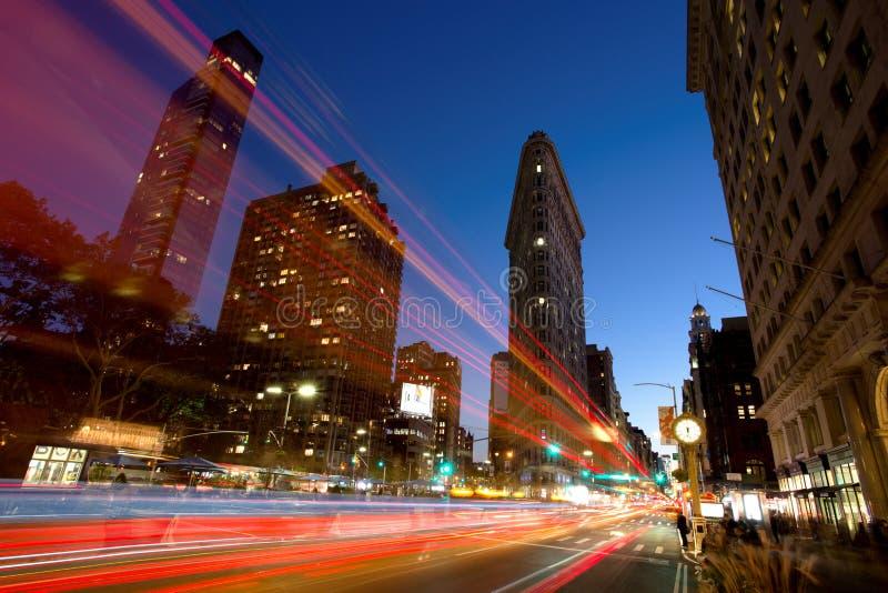 Plätteisen-Gebäude an der Dämmerung, New York City stockbilder